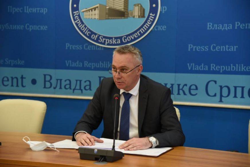 """""""NAMIRNICA IMA DOVOLJNO"""" Pašalić poručio poljoprivrednicima da ne brinu za podsticaje"""