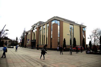 OBAVEZNI DA SE ZAŠTITE Skupštini opštine Derventa odobreno održavanje sjednice
