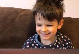CIJELI SVIJET VIDIO DUŠANOV ROĐENDAN Dječak (6) u izolaciji dobio najljepši poklon (VIDEO)