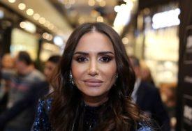 """""""STRAH ĆE OSTATI"""" Emina se javila iz Istanbula, a pitanje njenog sina otkriva koliko je ZABRINUT"""