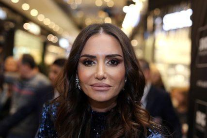 NAPRAVILA SKANDAL U HOTELU Emina Jahović navodno odbila da plati račun