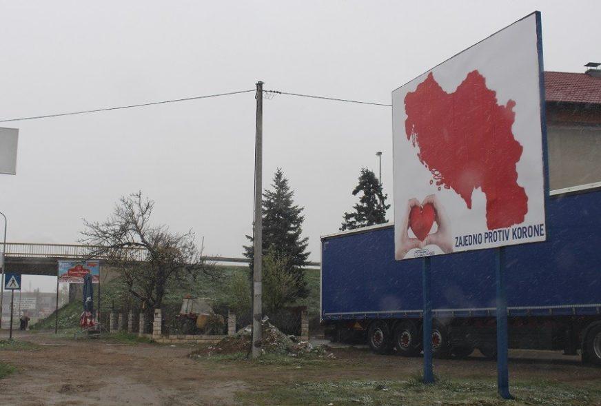 """""""ZAJEDNO PROTIV KORONE"""" Trgovac i nostalgičar iz Gradiške šalje SNAŽNU PORUKU"""