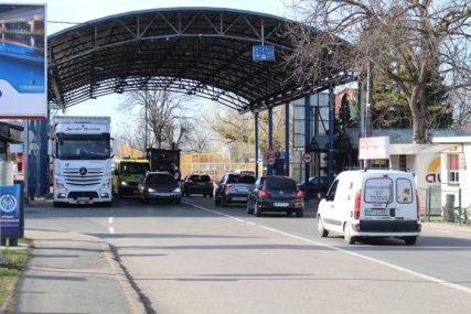 RIJEČ POLITIKE ILI STRUKE Zašto su vrata EU zatvorena za građane BiH
