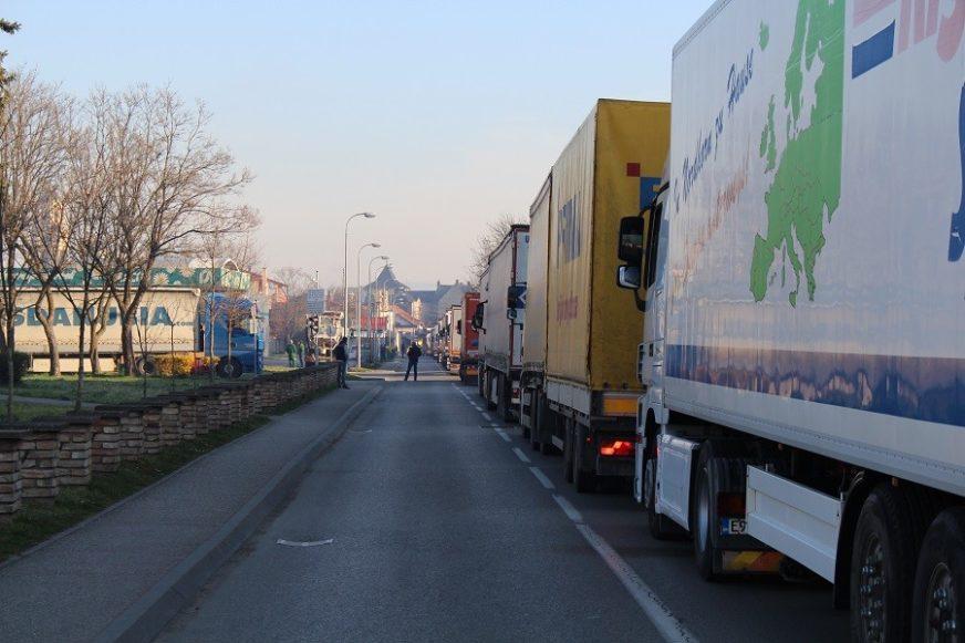 Ubrzati kretanje kamiona kroz Hrvatsku: Privredna komora Srpske PISALA TEGELTIJI