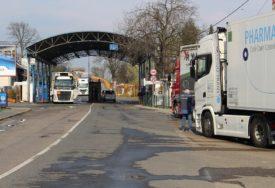 INSPEKTORI U KONTROLE Protekla tri dana smanjen broj putnika preko graničnih prelaza