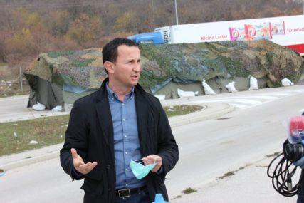 """""""SPRIJEČITI ŠIRENJE ZARAZE"""" Ćurić poručio da se kontroliše ulaz i izlaz iz Trebinja"""
