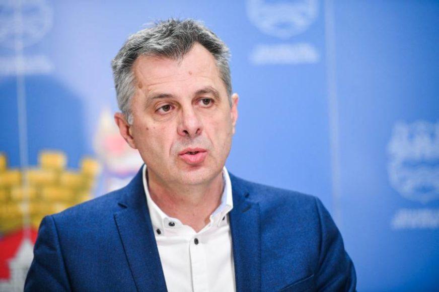 """""""SITUACIJA POD KONTROLOM"""" Radojičić najavio NOVE MJERE u borbi sa korona virusom"""