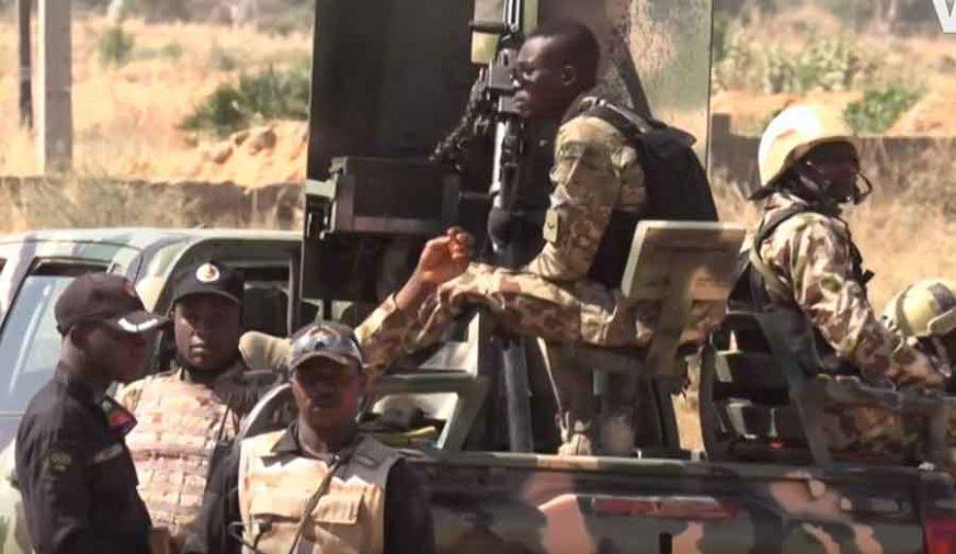 """TERORISTI UBILI 12 VOJNIKA Napad """"Boko harama"""" na konvoj u Nigeriji"""