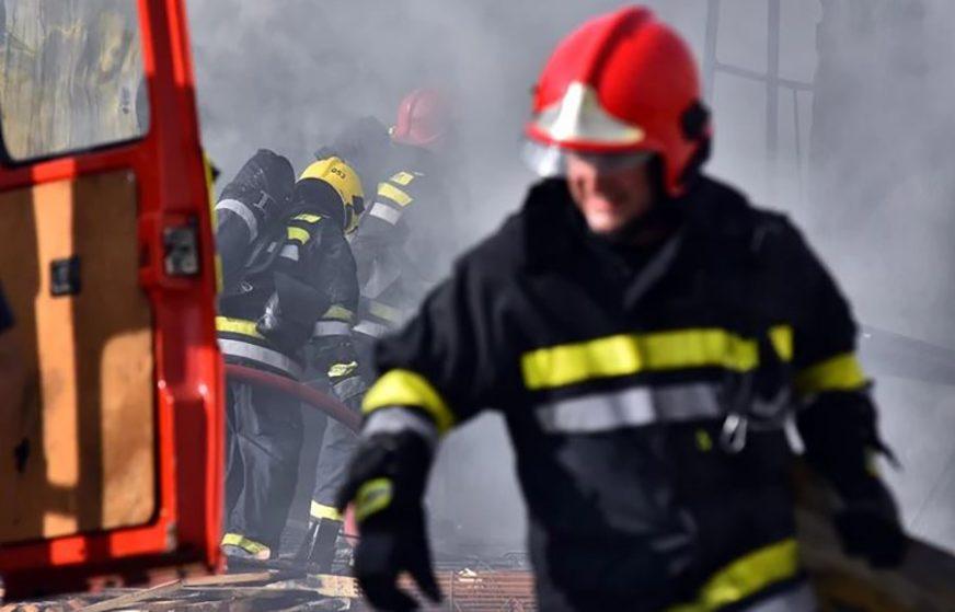 POŽAR U ZGRADI Buktinja u centru Sarajeva, vatrogasci spriječili TRAGEDIJU