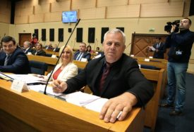 KLUB SDS PREDLAŽE IZMJENU ZAKONA Dan srpskog jedinstva da bude zvaničan praznik Republike Srpske