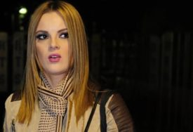 SLAVICA ĆUKTERAŠ HOSPITALIZOVANA Pjevačica hitno primljena u bolnicu zbog povrede oka