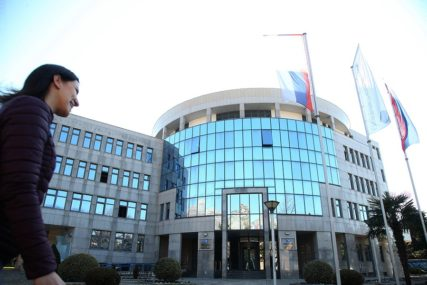 SINDIKAT ERS SPREMA PROTESTE Kolektivni ugovor kao kamen spoticanja