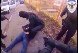 EKSPRESNE REAKCIJE I HAPŠENJA Oni rizikuju sopstvene živote da prestupnike privedu PRAVDI (VIDEO)