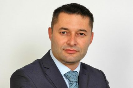 """Želimo dati prostor stranačkim kolegama"" Tri odbornika DEMOS vratila mandate"