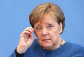 ČETVRTI DAN U SAMOIZOLACIJI Saradnici otkrili u kakvom je zdravstvenom stanju Merkelova