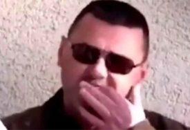 SKANDAL U MOSTARU Direktor bolnice prstima ČAČKA ZUBE dok priča o virusu korona (VIDEO)