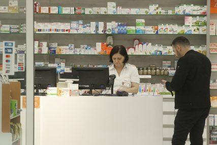 """AKCIJA """"NISTE SAMI"""" Počela dostava lijekova za građane starije od 65 godina"""