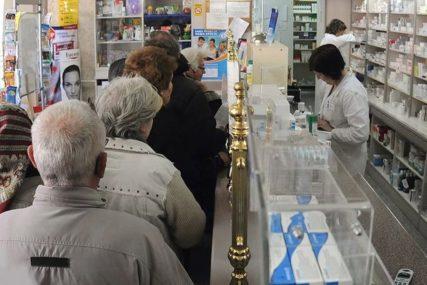 NESTAŠICA DEZINFEKCIONIH SREDSTAVA U SRBIJI Građani mahom kupuju asepsol, alkohol i gelove
