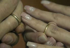 Broj sklopljenih brakova SE SMANJUJE, a petina parova zajedno sastavi JEDVA PET GODINA