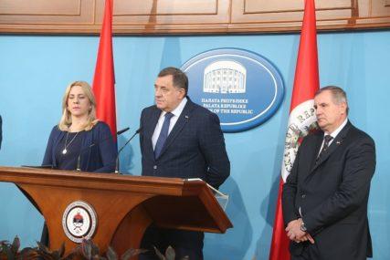 """""""MORAĆETE PROVESTI 14 DANA U ŠATORU"""" Dodik ima OŠTRU PORUKU za neodgovorne građane"""