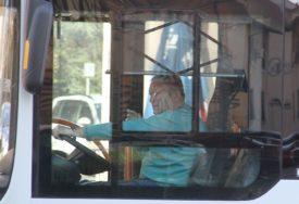 JEZIVA NESREĆA Autobus pun putnika sletio sa mosta na auto-putu, ima MRTVIH