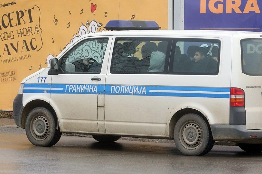Migrante krijumčario u  PRTLJAŽNIKU: Bijeljinac uhapšen u Kostajnici