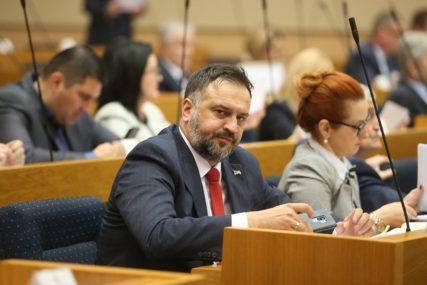 """ŽUNIĆ O """"AFERI KISEONIK"""": Pokušaj urušavanja zdravstvenog sistema u Srpskoj"""