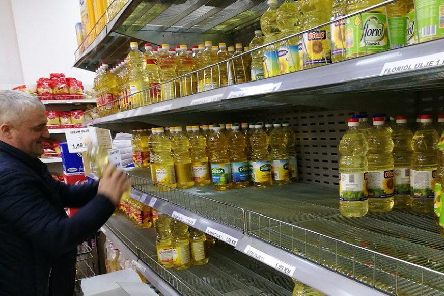 Sindikalci vide spas u SMANJENJU MARŽI: Gorivo ove godine poskupilo za 13, litar ulja za čak 29 odsto