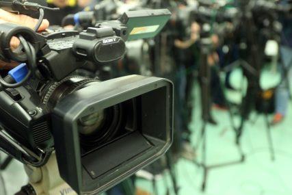 Udruženje novinara će sastaviti konačan spisak: Obezbijeđeno vakcinisanje 100 medijskih radnika iz Srpske u Srbiji