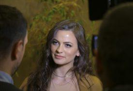 NEUMORNA Milica Pavlović čula fanove kako pjevaju njenu pjesmu, pa im se PRIDRUŽILA (VIDEO)