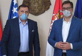 """""""NIJE IDEALNO, ALI NI UŽASNO"""" Vučić o Dodikovom zdravstvenom stanju"""