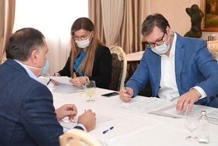 STIŽE POMOĆ IZ SRBIJE Vučić: Dostavićemo Republici Srpskoj lijekove i zaštitnu opremu