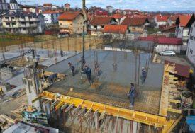 POGODUJU VREMENSKE PRILIKE Ubrzana gradnja višenamjenskog objekta na Petrićevcu