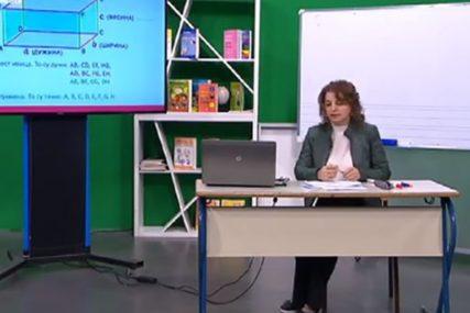 Nastava na daljinu uz SRPSKAINFO: Sedmaci iz matematike učili o paralelogramu (VIDEO)