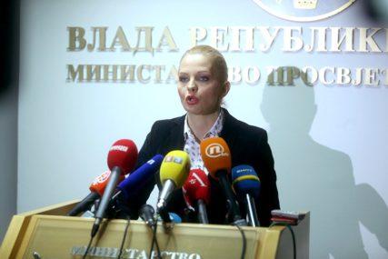 """DIGITALIZACIJA """"Sistem obrazovanja u Srpskoj spreman za izvođenje nastave na daljinu"""""""