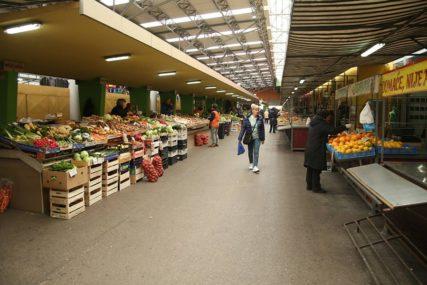 RESTRIKTIVNE MJERE Od danas ne radi gradska tržnica, katanac ostaje i na VELEDROGERIJAMA