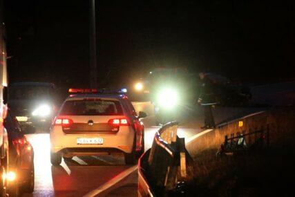 POŽAR NA PARKINGU  Izgorila dva automobila