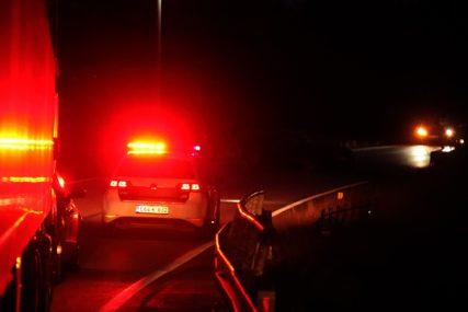 Šok u Živinicama: Muškarac pronađen mrtav u automobilu kod benzinske pumpe