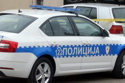 NANIZAO PREKRŠAJA Vozio neregistrovano vozilo u vrijeme policijskog časa, pa POVRIJEDIO POLICAJCE