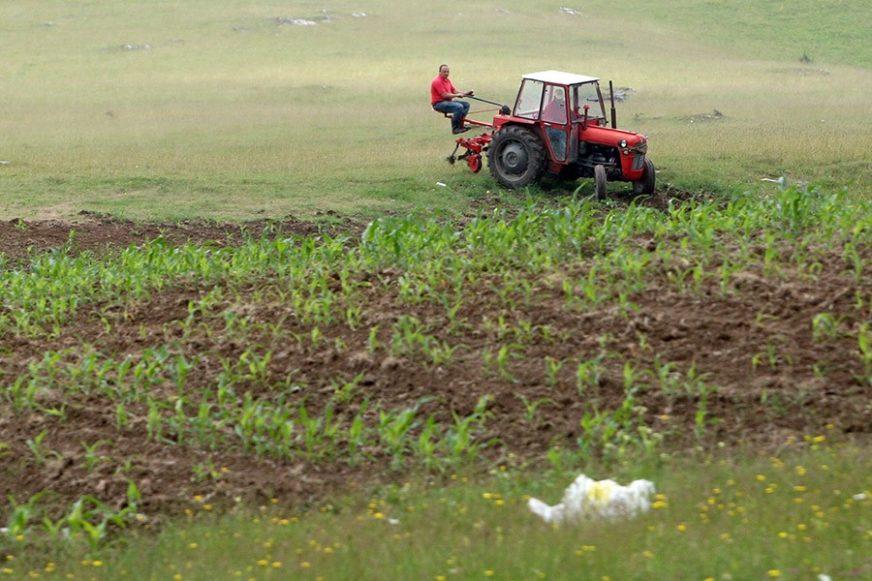 100 LITARA PO HEKTARU OBRADIVE POVRŠINE Počinje podjela dizel-goriva poljoprivrednicima