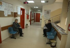 DOM ZDRAVLJA NA UDARU NOVOG TALASA KORONE Svaki novooboljeli smanjuje radne dane za ambulante