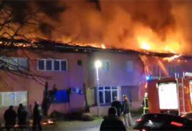 PRIČINJENA VELIKA ŠTETA Ugašen požar na zgradi, niko nije stradao