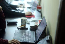 KRIZA KUCA NA VRATA Broj zahtjeva za naknadu za nezaposlene PONOVO RASTE