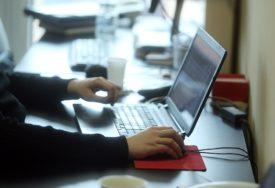 RASTE BROJ ZARAŽENIH Novi klasteri korona virusa među kancelarijskim radnicima