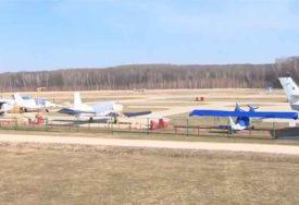 """""""ODUPRITE SE TOME"""" Ruski piloti NA NEBU pišu poruke podrške narodu u vrijeme korone (VIDEO)"""
