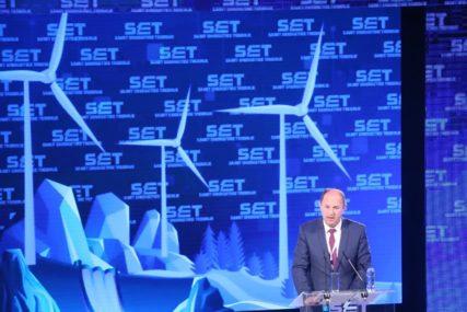 ČISTA ENERGIJA NAJVEĆA RAZVOJNA ŠANSA Poruke sa prvog energetskog samita u Srpskoj
