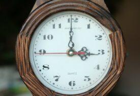 POČINJE ZIMSKO RAČUNANJE VREMENA U nedjelju ujutru kazaljke se vraćaju sat unazad