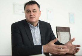 """""""VIŠAK ĆE DAVATI GDJE JE NAJPOTREBNIJE"""" U KPZ Foča šiju zaštitne maske"""