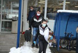 STUDENTSKI DOM SPREMAN ZA KARANTIN Stanari iznijeli stvari, stižu POZITIVNI na virus korona (FOTO)