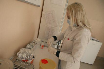 NA RESPIRATORIMA 25 LJUDI Od korona virusa u bolnicama u Srpskoj liječi se 360 pacijenata
